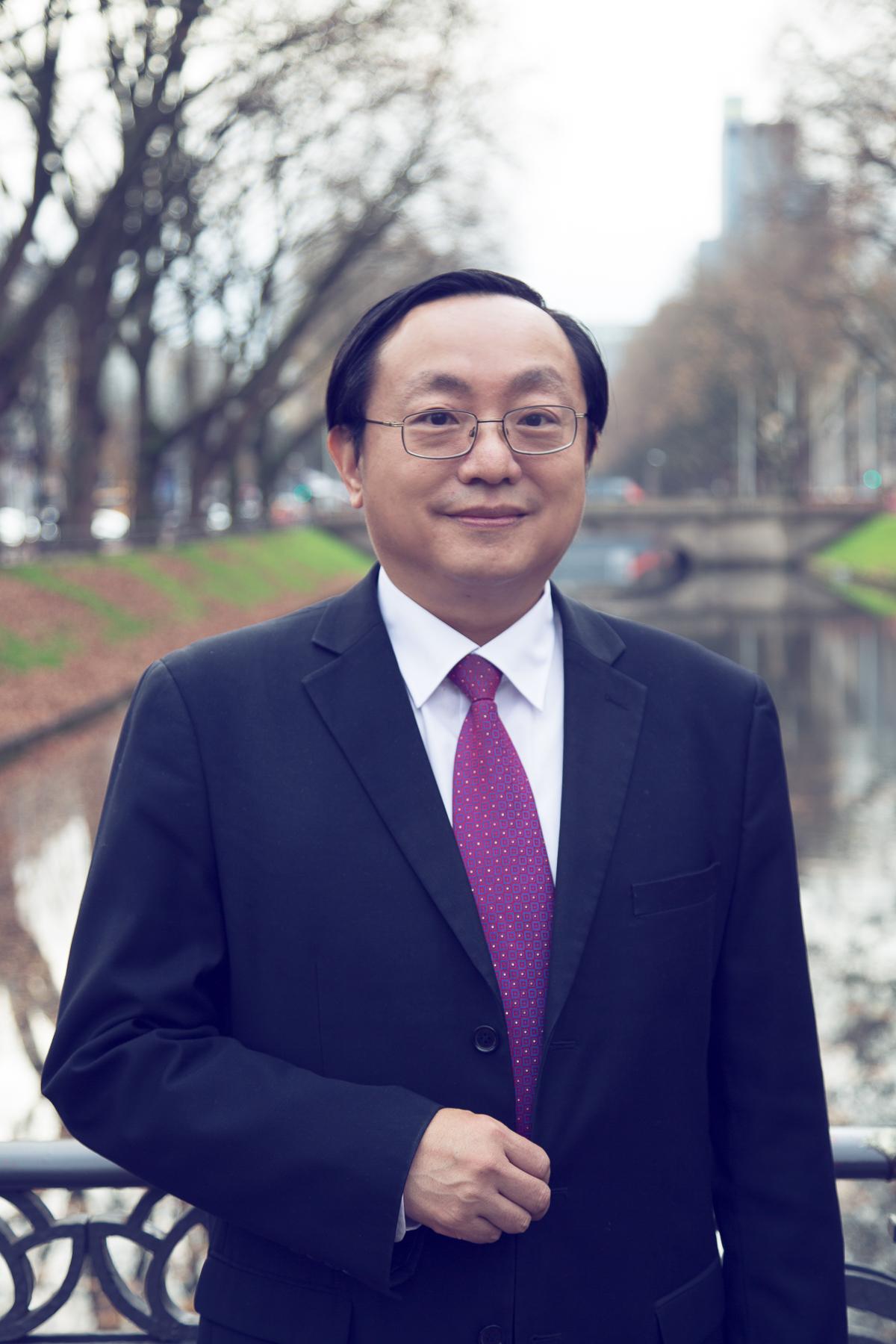 Dr. Kuang-Hua LIN - Geschäftsführer