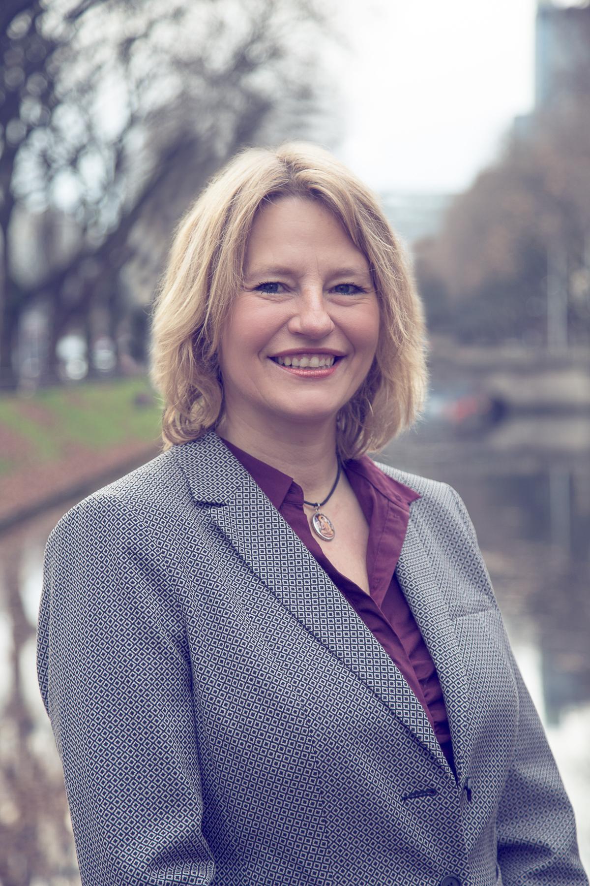 Sandra KUHLS - Branch Manager Düsseldorf